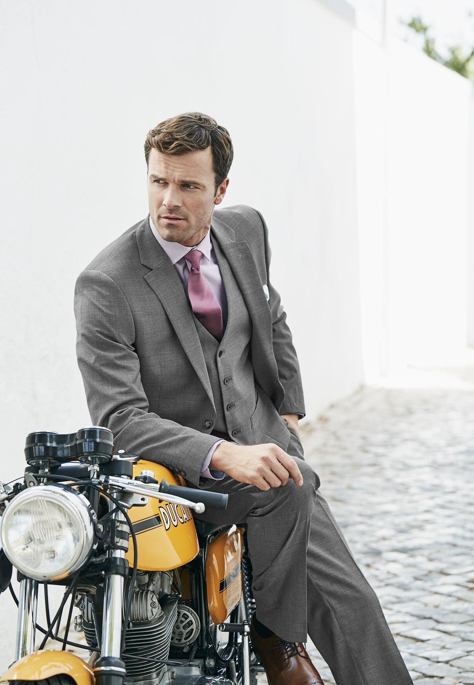Avalino Grey Washable Crease Resistant 3 Pcs Travel Suit