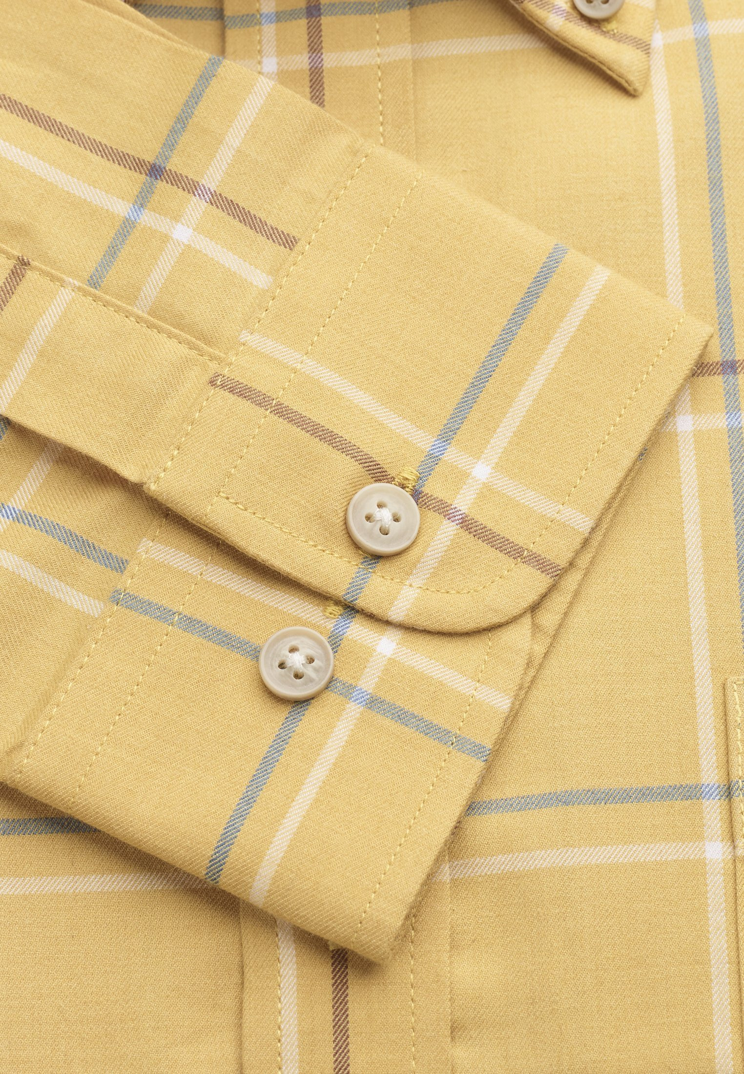 """35"""" Sleeve Corn With Blue and Mocca Check Shirt"""